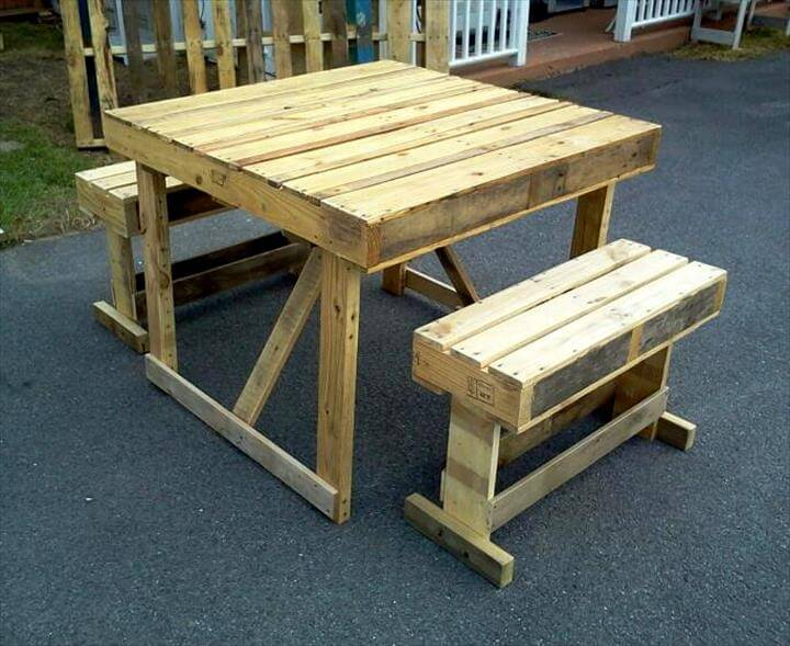handmade pallet dining and breakfast set