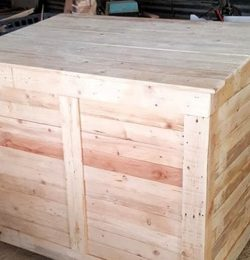 wooden pallet large chest