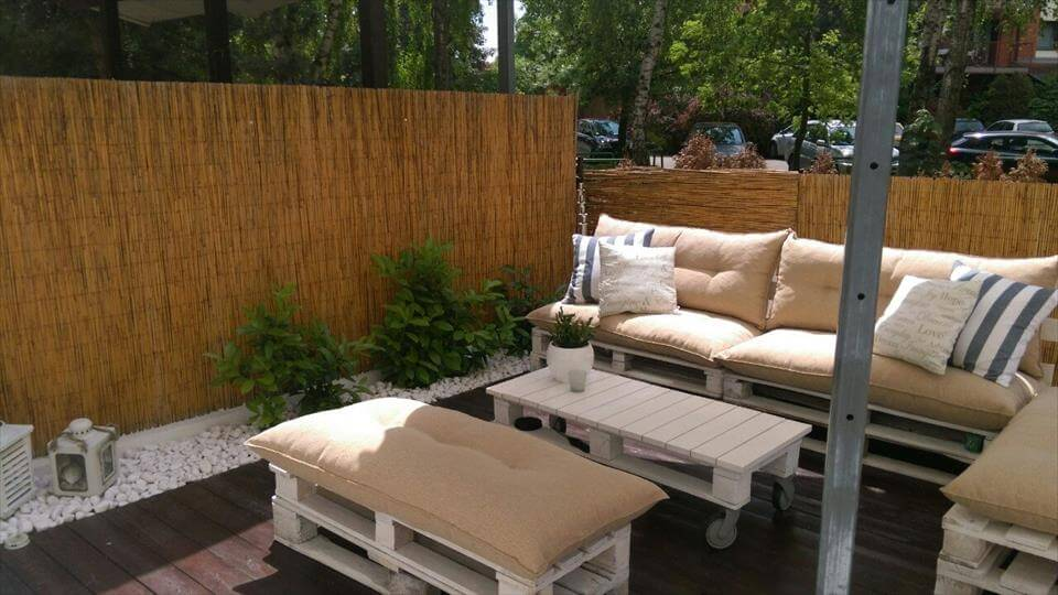 pallet sofa set for outdoor sitting