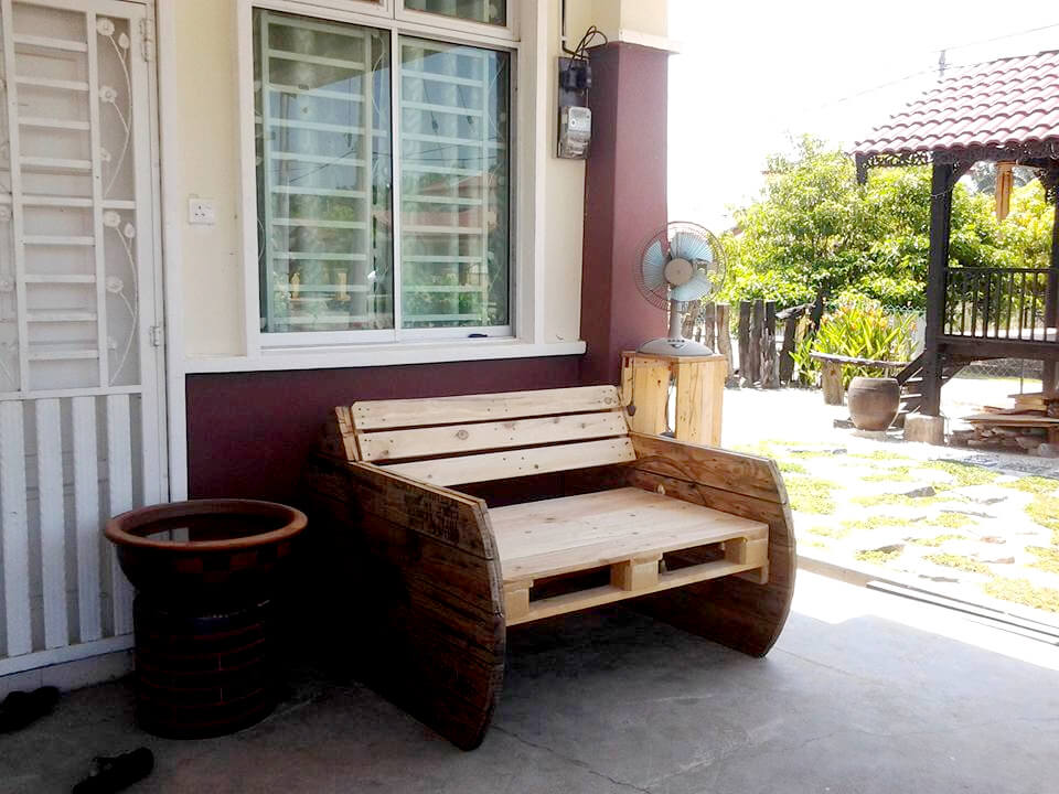 handcrafted wooden pallet and spool bench