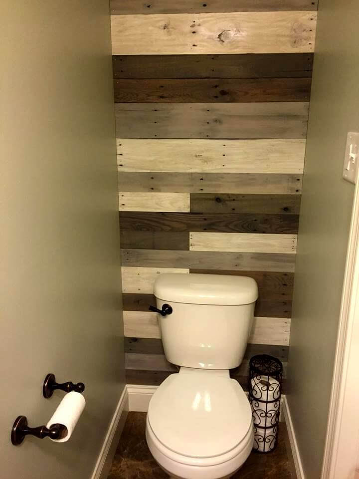 70 pallet ideas for home decor pallet furniture diy for Bathroom ideas for walls