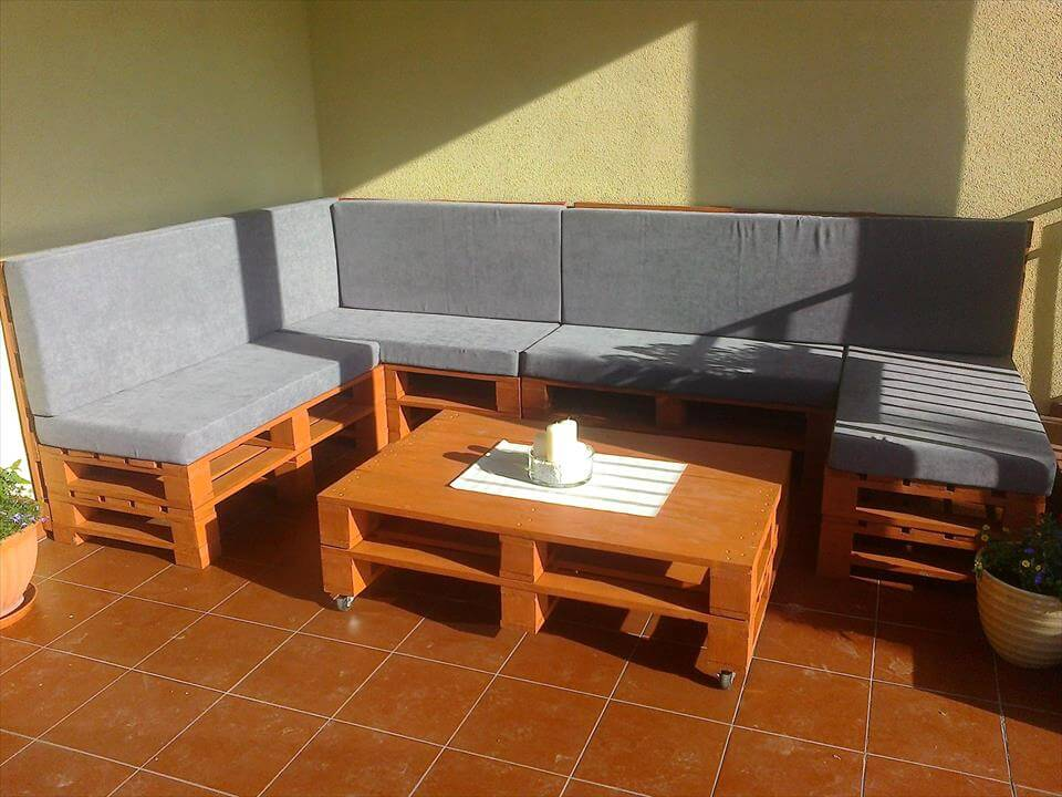 recycled pallet cushioned corner sofa set