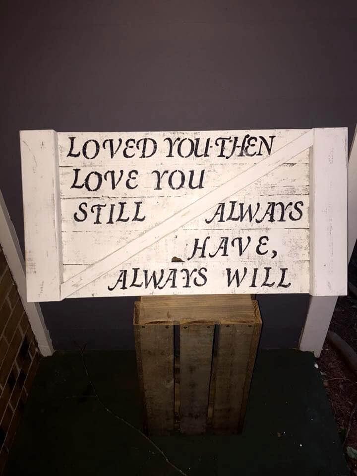diy pallet sign or quoted board