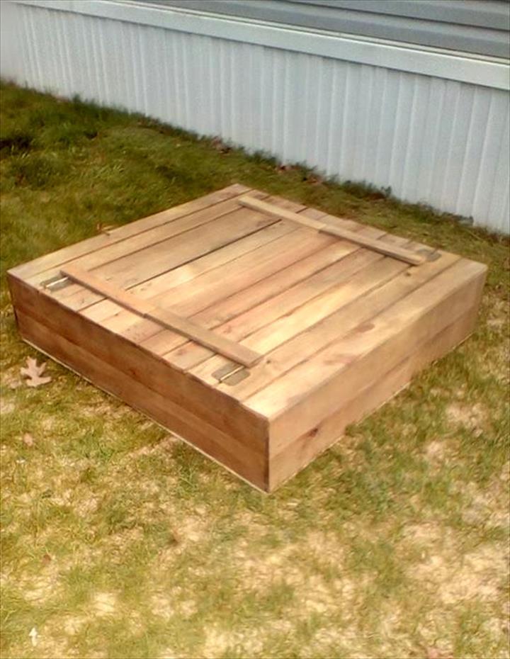 handmade pallet sanbox