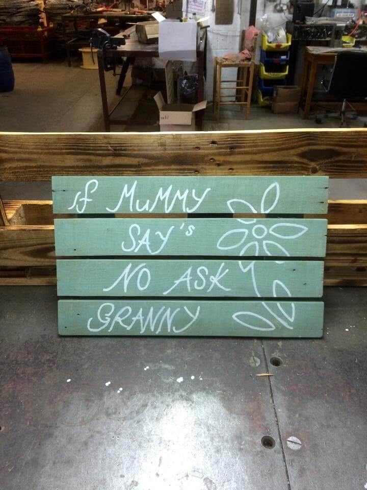 diy pallet made sign board