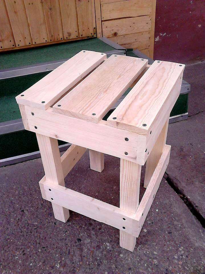 Stool Made of Pallets Wood | Pallet Furniture DIY