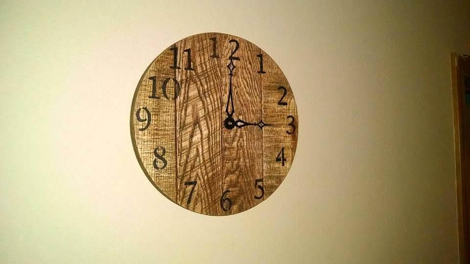 rustic pallet wall clock