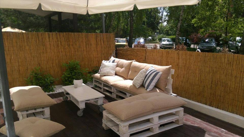 wooden pallet deck party lounge