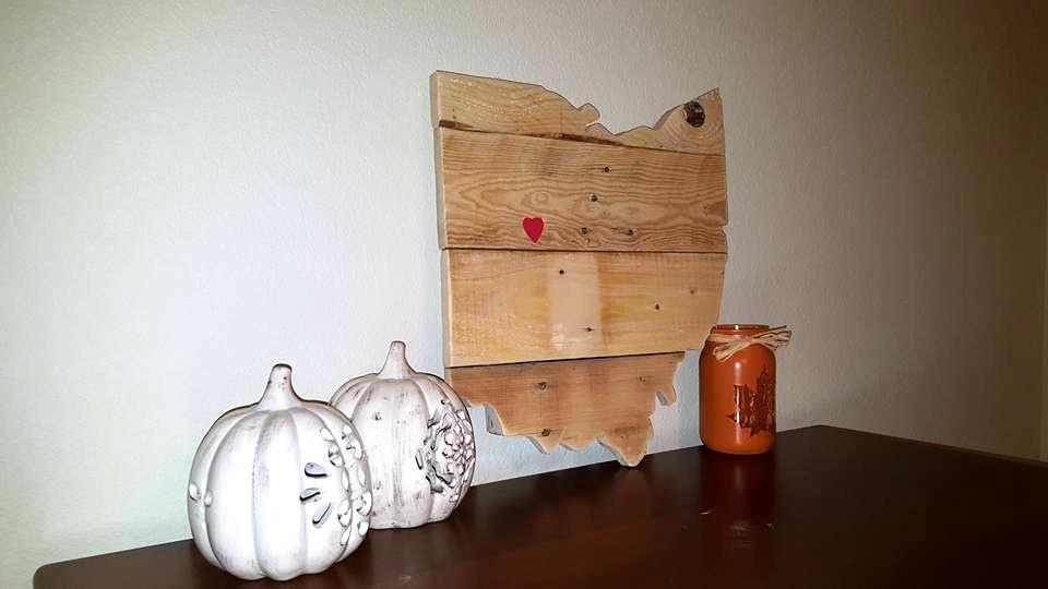 pallet table decor piece