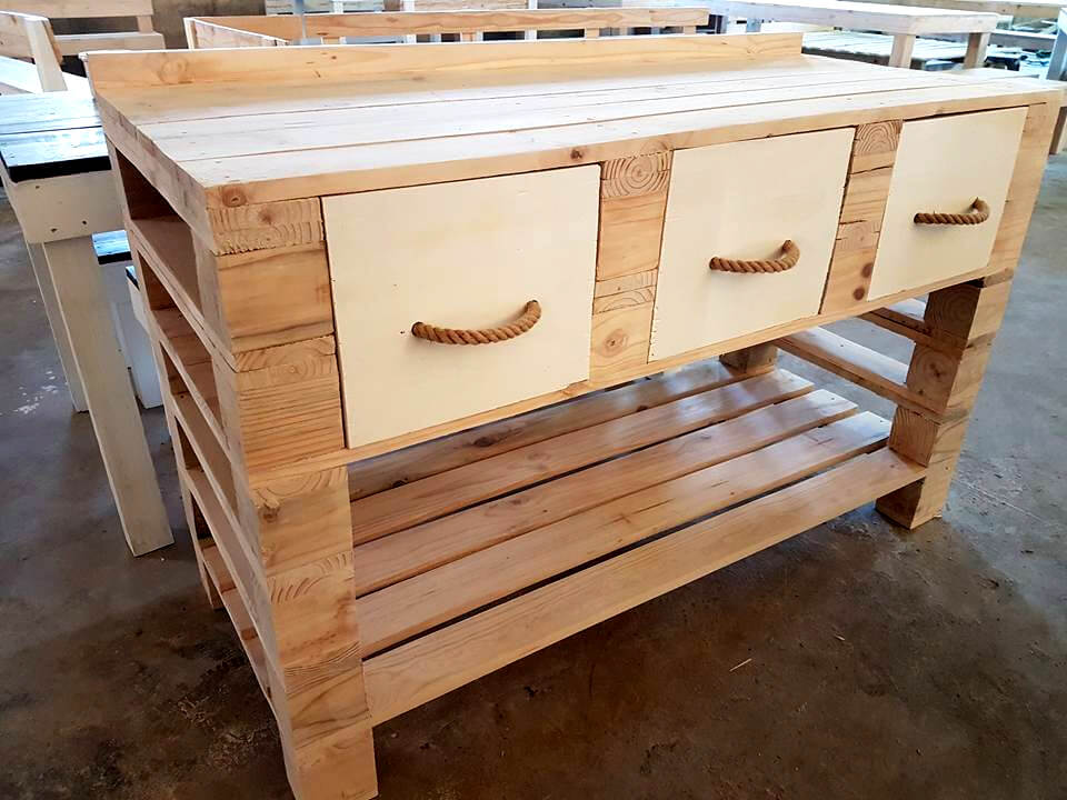 no-cost pallet custom counter with drawers