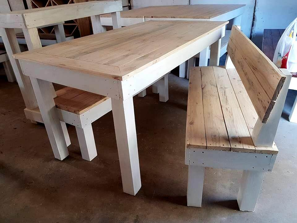 Diy pallet wood furniture ideas for the home pallet for Table cuisine palette
