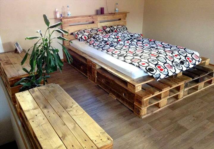 25 renowned pallet projects ideas pallet furniture for Pallet platform bed with storage