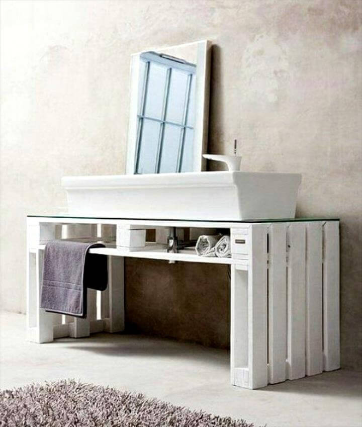 25 renowned pallet projects ideas pallet furniture diy for Pallet bathroom vanity