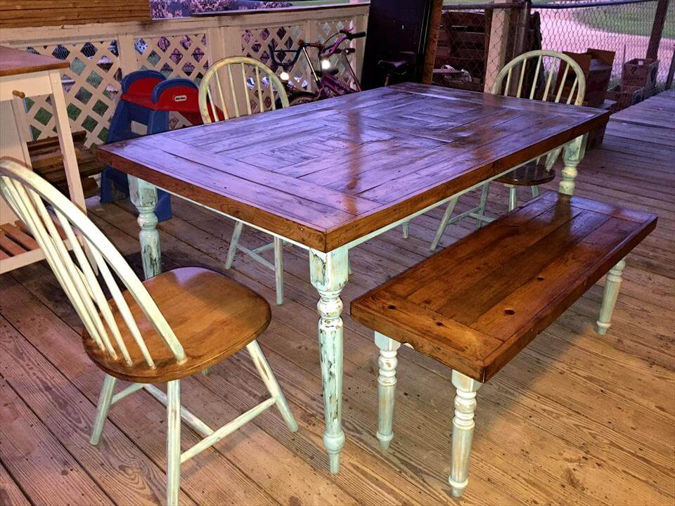 Pallet dining table with chairs bench pallet furniture diy for Pallet dining table