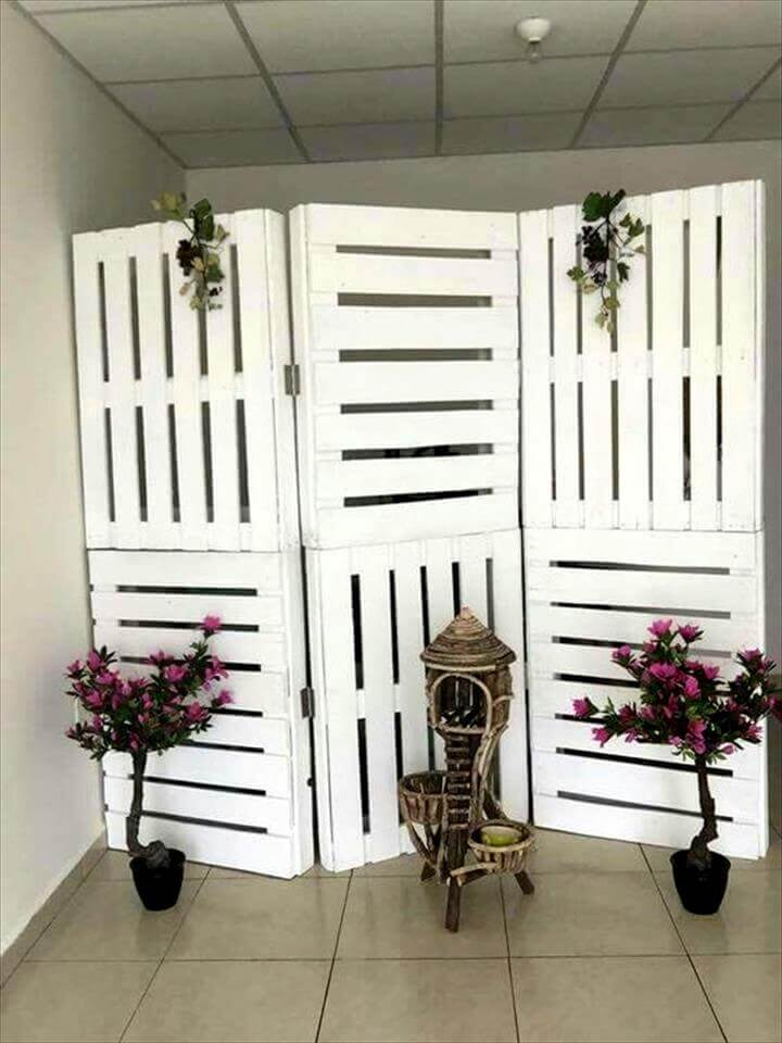 20 Unique Ideas to Use the Pallets Wood | Pallet Furniture ... on Pallet Room  id=96812