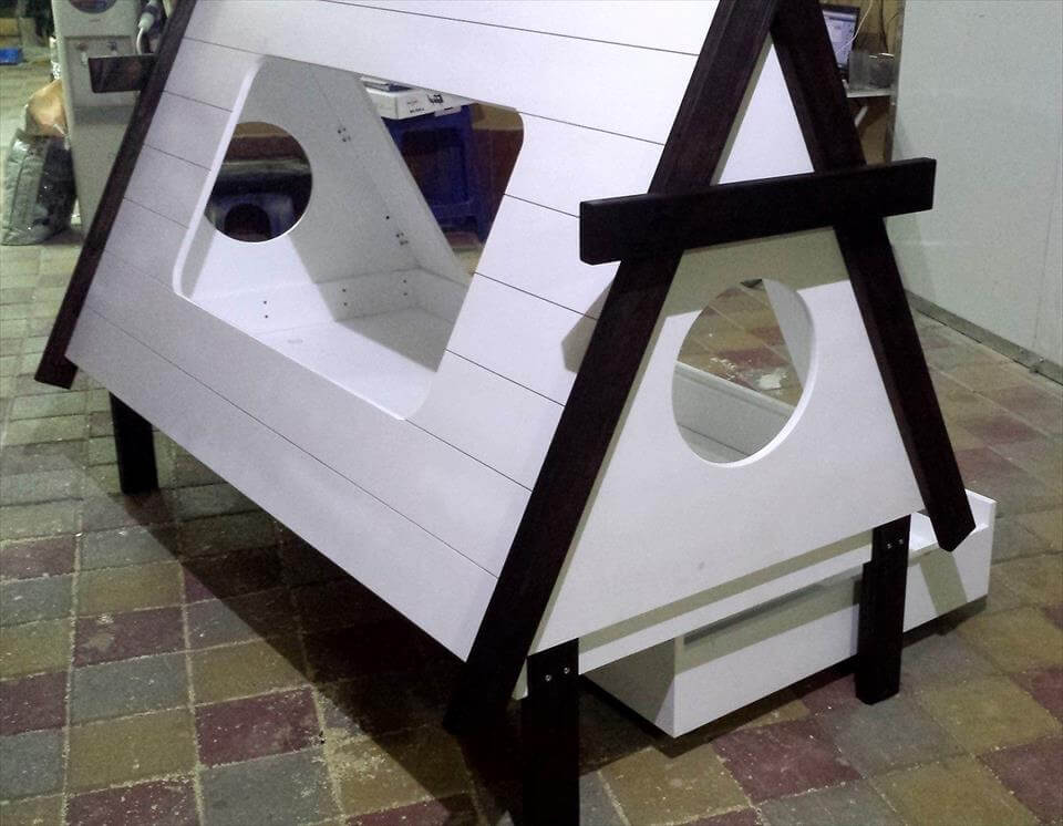 wooden pallet small teepee tent bed