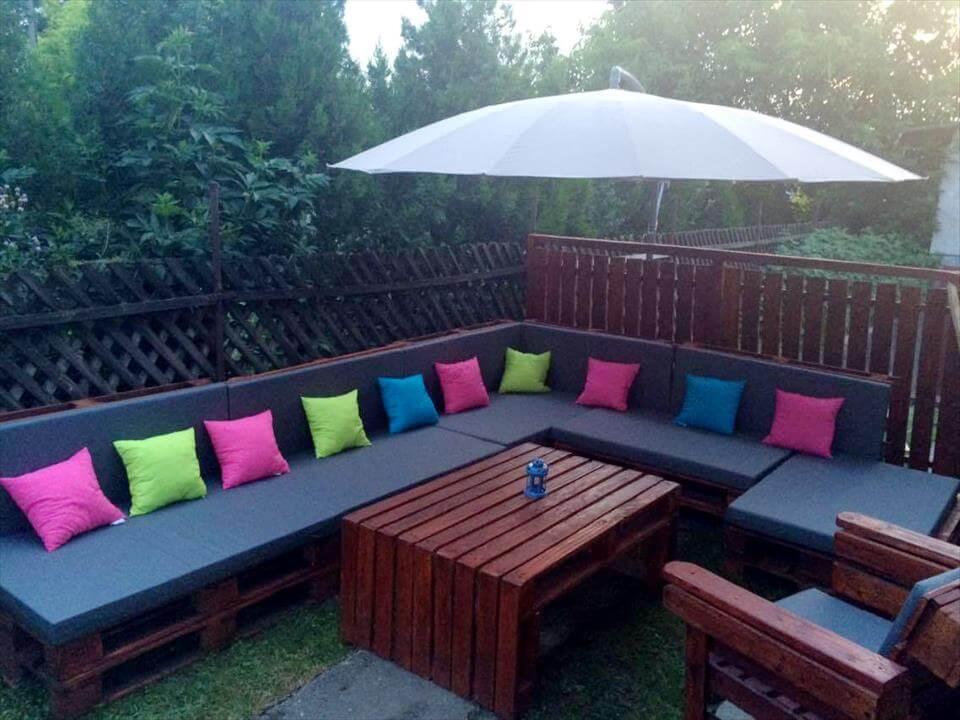 pallet outdoor seating set