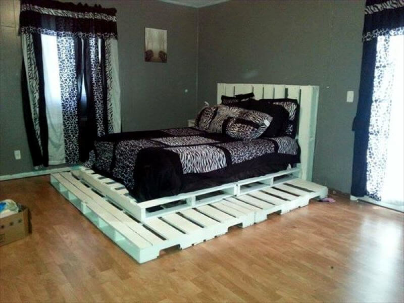 contemporary style pallet bed