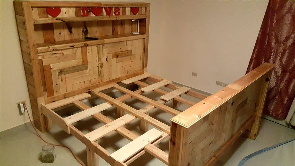 wooden pallet king size bed frame with foot-board and headboard