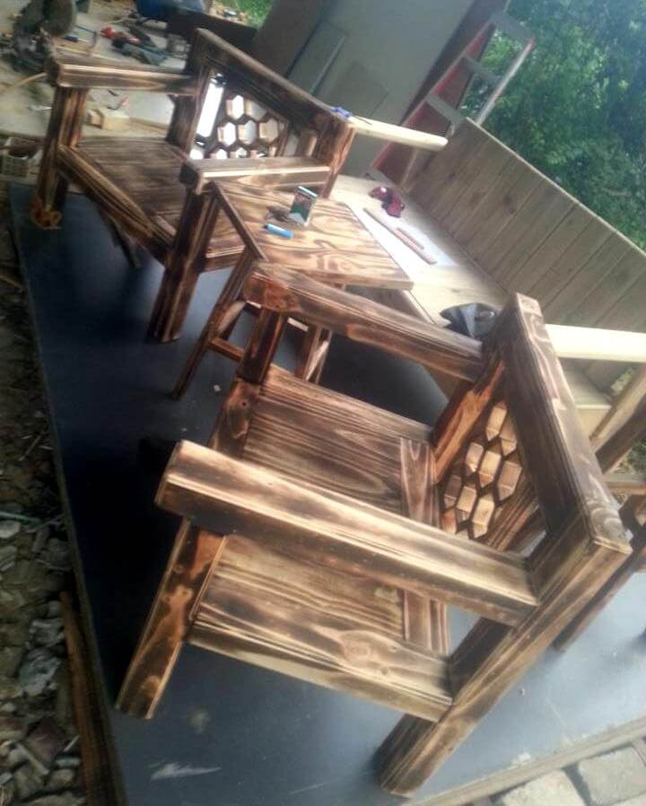 diy pallet arm chairs with table