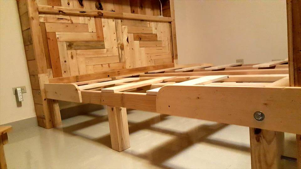upcycled wooden pallet king size bed