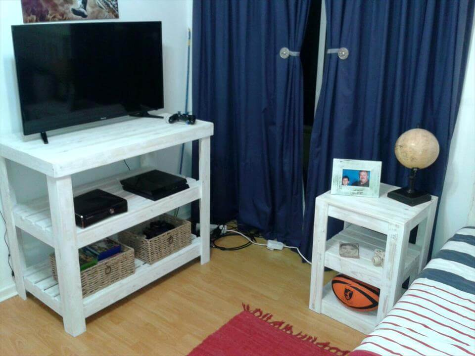 wooden pallet media and side table