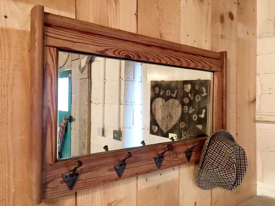 Recycled pallet organizer with mirror