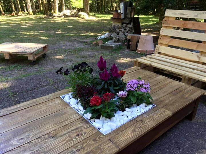 pallet outdoor seating set
