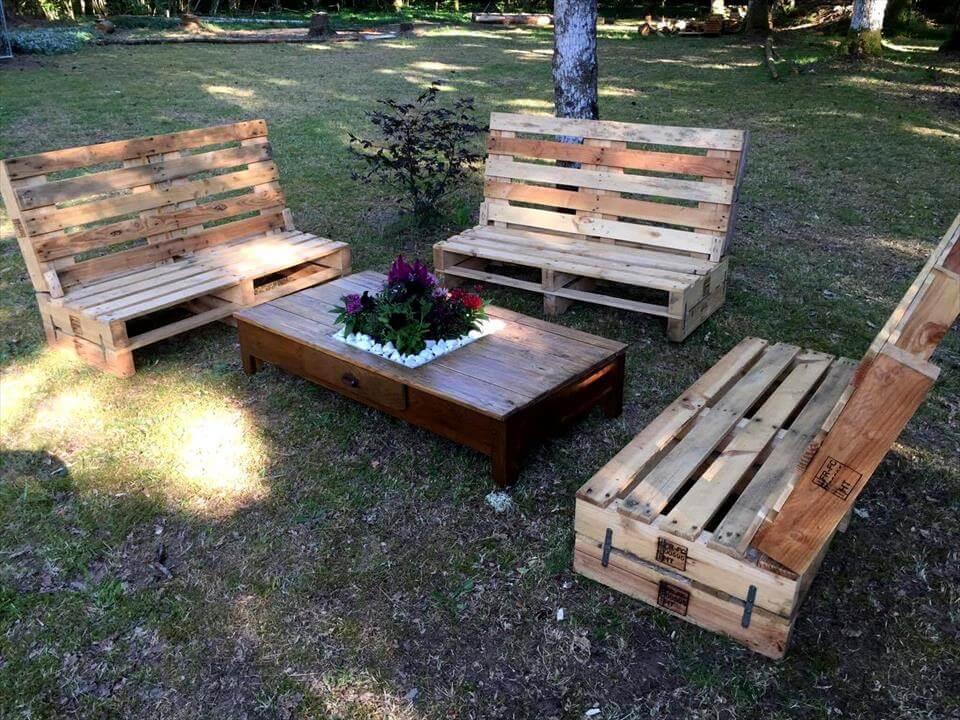 Gorgeous Pallet Outdoor Furniture Set