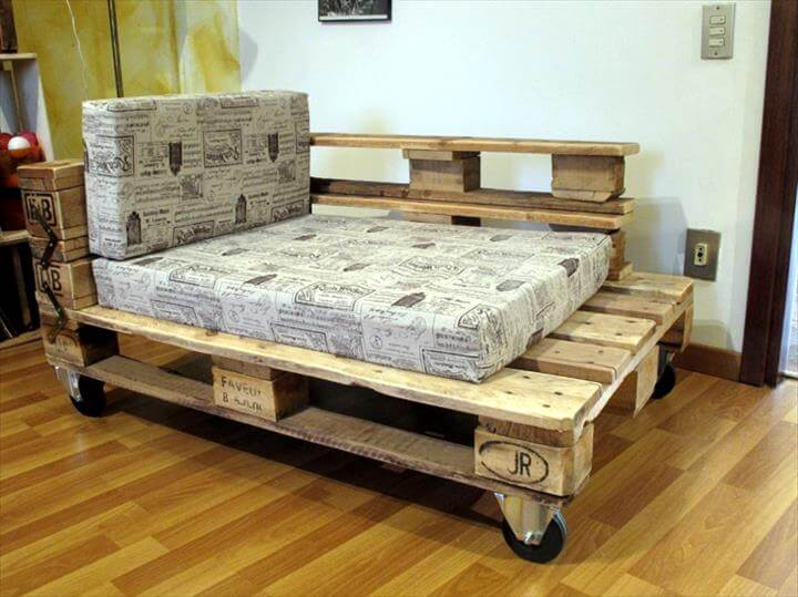 Cute pallet lounger