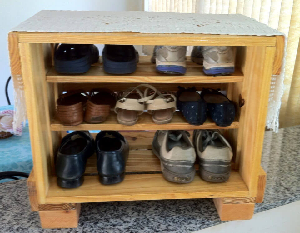 no-cost pallet shoes rack