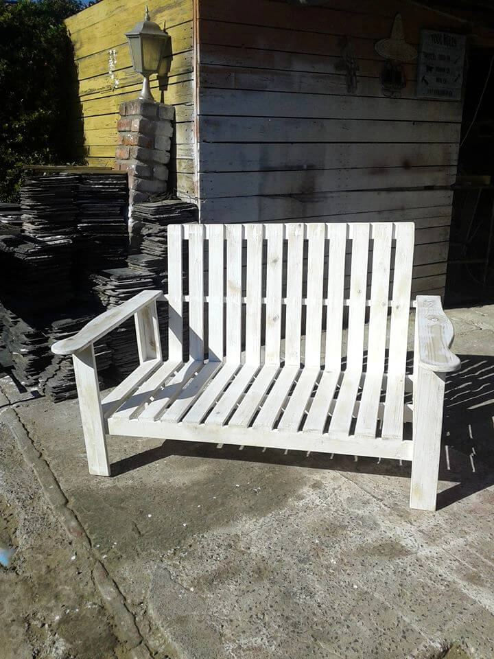 chic white pallet patio bench