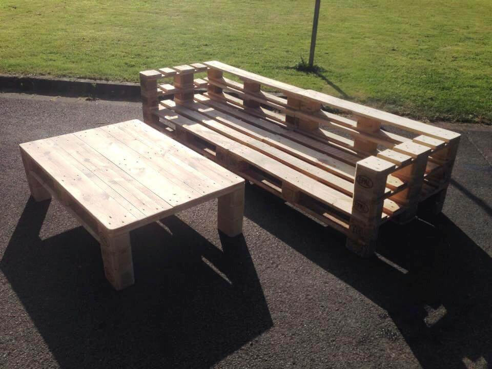 diy wooden pallet couch and coffee table set