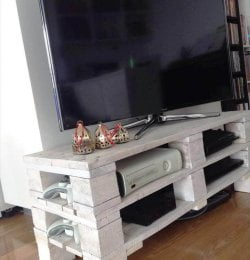 recycled pallet media stand or console