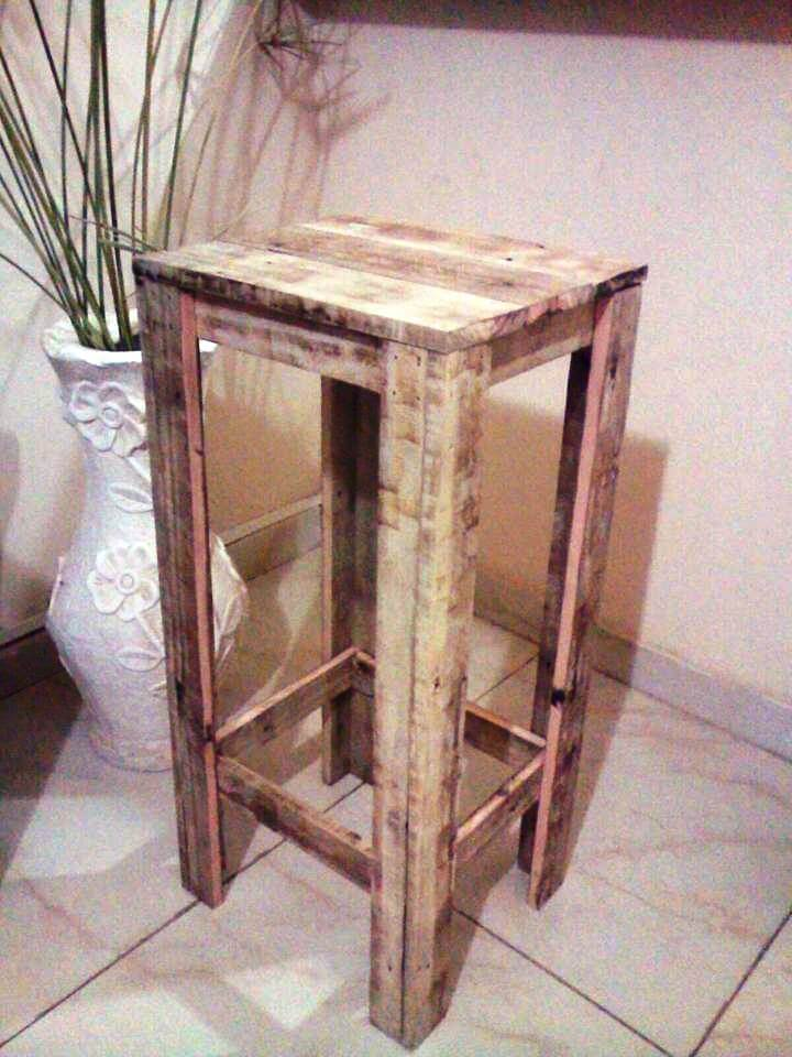 reclaimed wooden pallet planter table