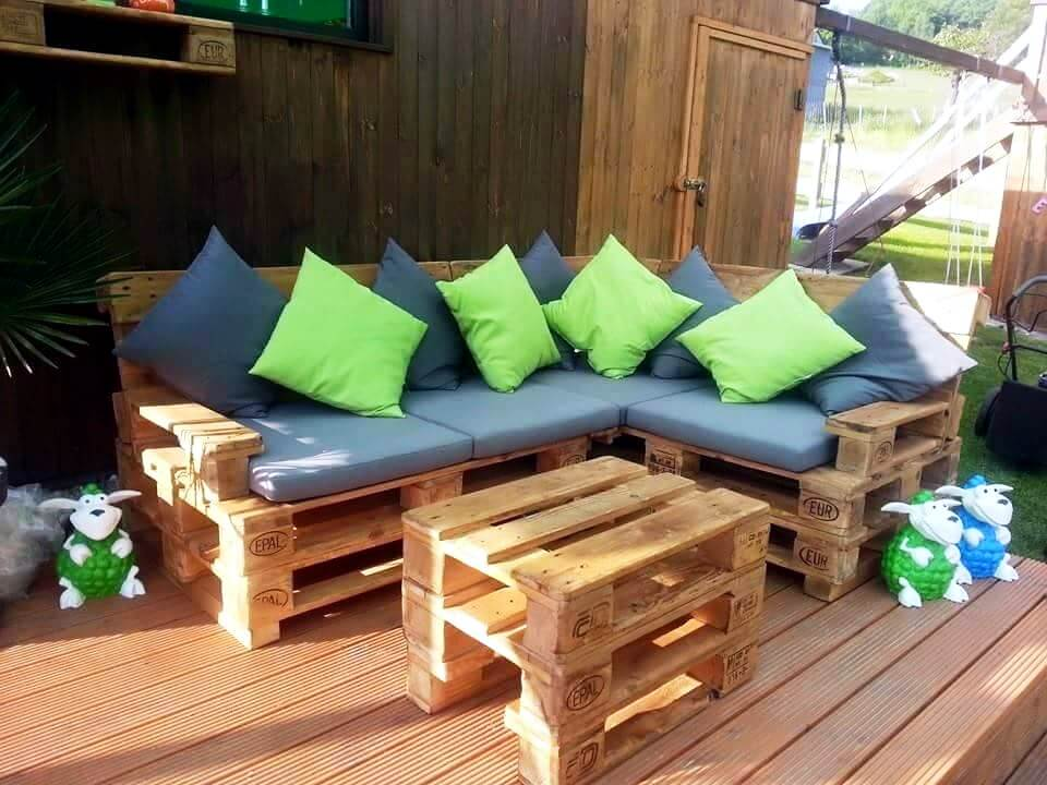 stacked pallet L-shape cushioned sofa