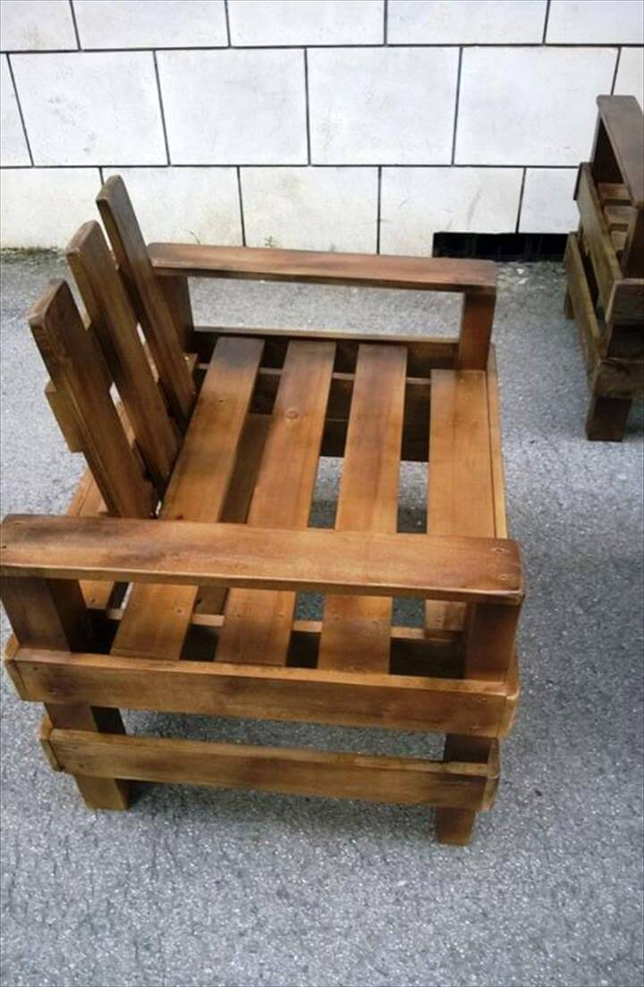 robust wooden pallet chair