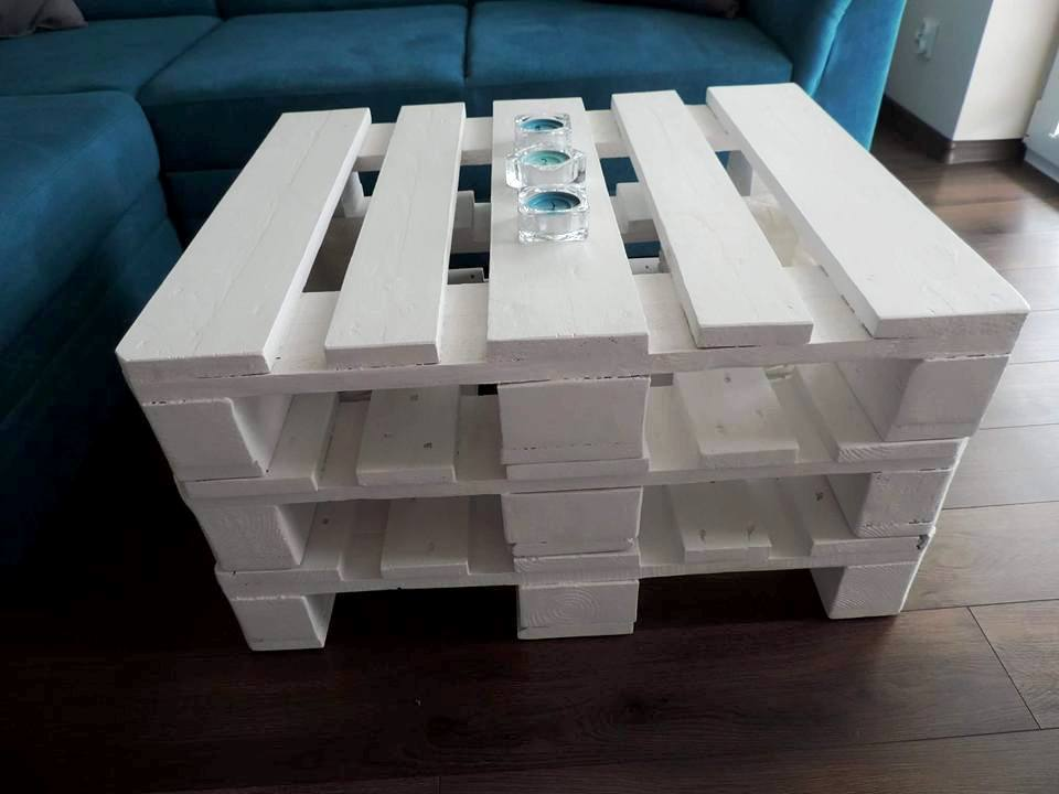 reclaimed chic white pallet coffee table
