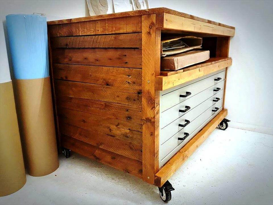 pallet chest of drawers or accessory organizer pallet furniture diy. Black Bedroom Furniture Sets. Home Design Ideas