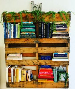 How to Build a Bookshelf from an Old Pallet