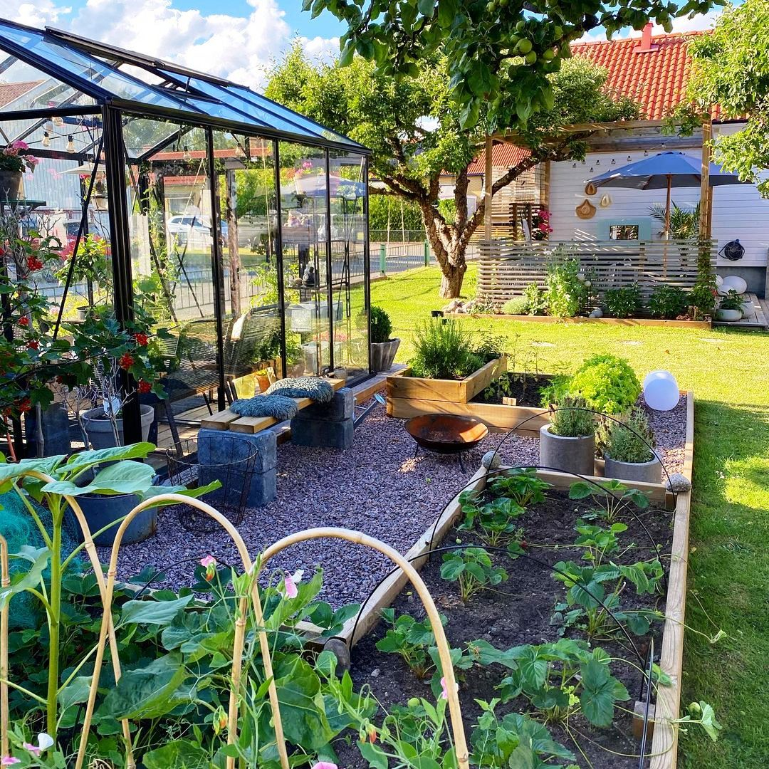 Learn The Basics Of Gardening With These Useful Tips