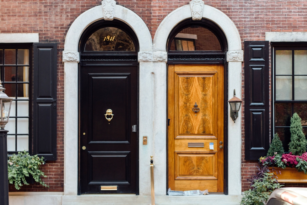 Telltale Signs That You Need a Door Replacement